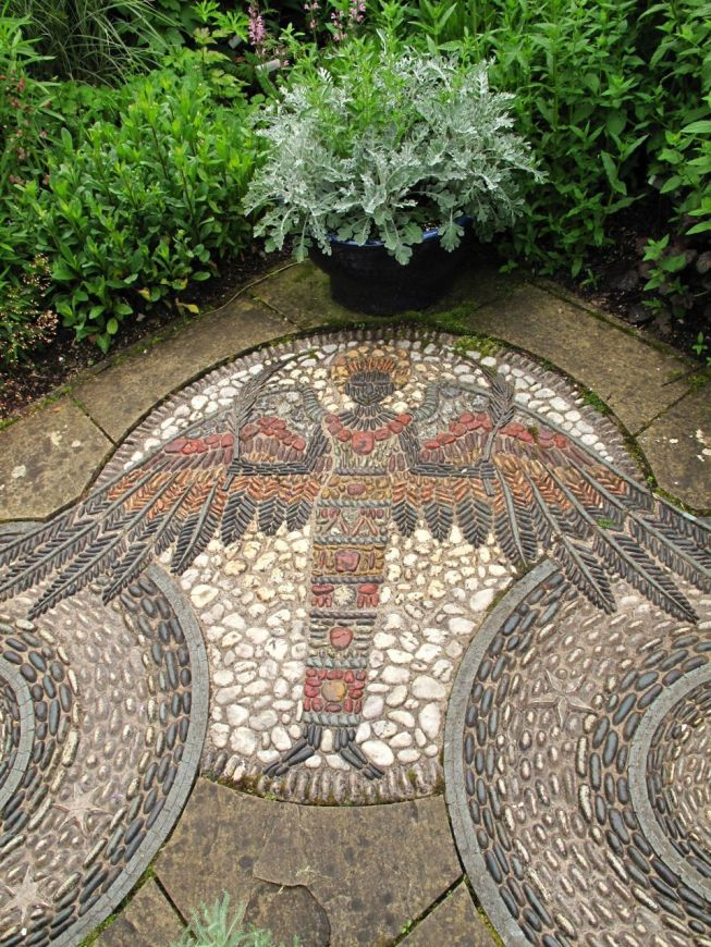 Mosaic Patio 62